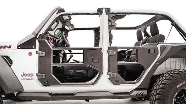 Fab Fours JEEP GLADIATOR – HALF TUBE DOOR FRONT AND/OR REAR